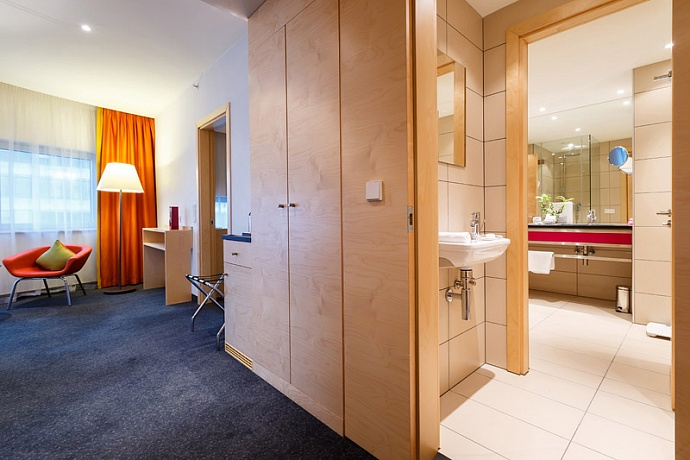 Crowne Plaza St. Petersburg Airport Hotel (4*)